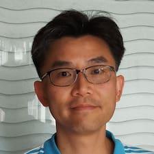K H felhasználói profilja