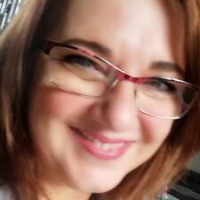 โพรไฟล์ผู้ใช้ Katalin
