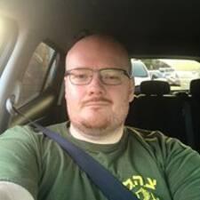 Ari felhasználói profilja
