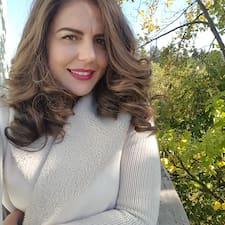Elena Loredana é um superhost.
