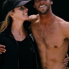 En savoir plus sur Corey & Kristin