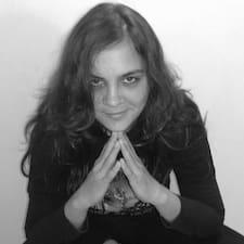 Profilo utente di Yasmin Claire