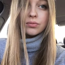 Adriana님의 사용자 프로필