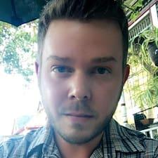 โพรไฟล์ผู้ใช้ Dustin