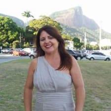 Adriana Marinhoさんのプロフィール