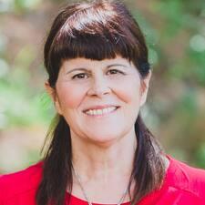 Elizabeth J. Brugerprofil