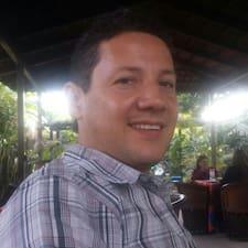 Lisätietoja majoittajasta Carlos