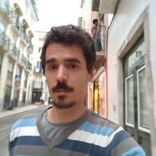 Dowiedz się więcej o gospodarzu Pedro