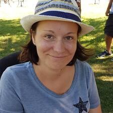 Anne Cécile es un Superanfitrión