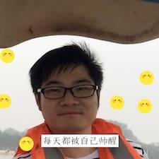 M felhasználói profilja