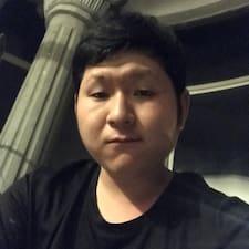 萝 User Profile