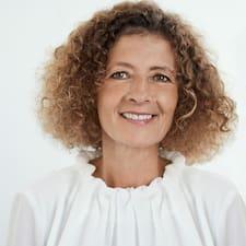 Christiane User Profile