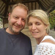 Profil Pengguna Ian & Alison
