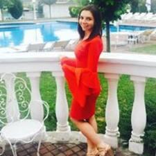 Iulia Kullanıcı Profili