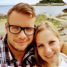 Profilo utente di Elizabeth & Michael