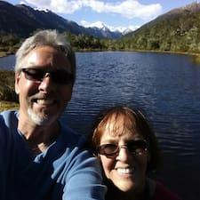 โพรไฟล์ผู้ใช้ Dave & Marsha