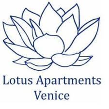 Lotus Apartments Veniceさんはスーパーホストです。