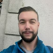 Balázs的用戶個人資料