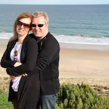 Mark & Sally is a superhost.