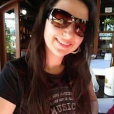 Maísa User Profile