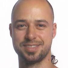 โพรไฟล์ผู้ใช้ Cédric
