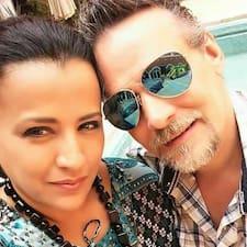Profil korisnika Tania & Jeff