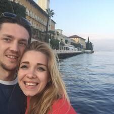 Profil Pengguna Airbnb