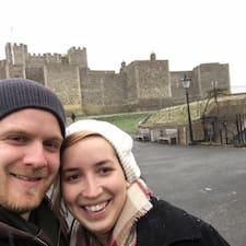Andrew & Mary-Beth är en Superhost.