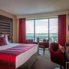 Профиль пользователя Loughrea Hotel And Spa