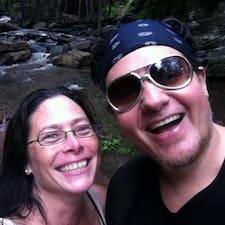 Julian & Karen to Superhost.