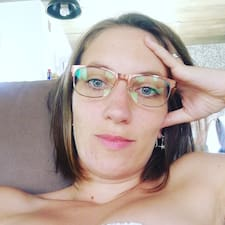 Maria Trinidad Brugerprofil