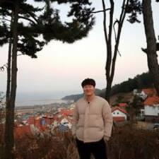 윤호 felhasználói profilja