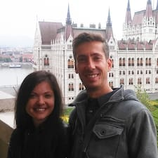 Robert And Violeta on supermajoittaja.
