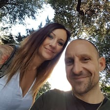 Profilo utente di Maria And Neal