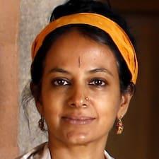 Rekha is a superhost.