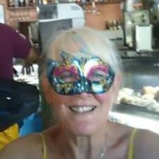 Barbara ist ein Superhost.