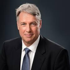 John Richard Brugerprofil