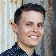 Profil Pengguna Delaney