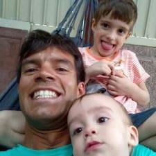 โพรไฟล์ผู้ใช้ Gustavo Fleury Soares