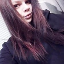 Полина User Profile