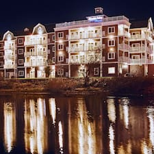 Rivertide Suites