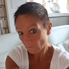 Christelle Brugerprofil