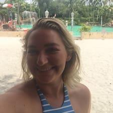 Profil korisnika Carlee