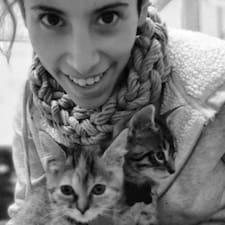 Di & Mónica'S Cat House er en superhost.