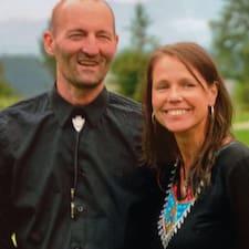 โพรไฟล์ผู้ใช้ Judith & Alan
