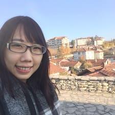 Yu Chieh (Carol)的用戶個人資料