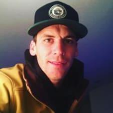 Colton felhasználói profilja