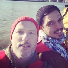 โพรไฟล์ผู้ใช้ Ariel & David