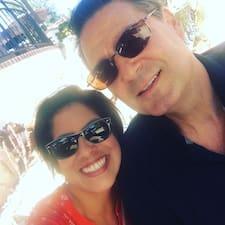 Profil Pengguna Michael & Katrina