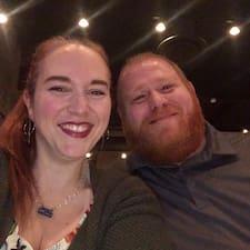 Steve & Amber felhasználói profilja